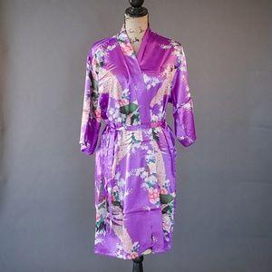 100% Silk Dressing Robe Size XL Peacock Design